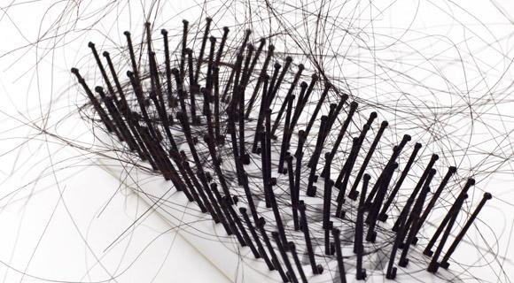 Erste Zeichen von Haarausfall